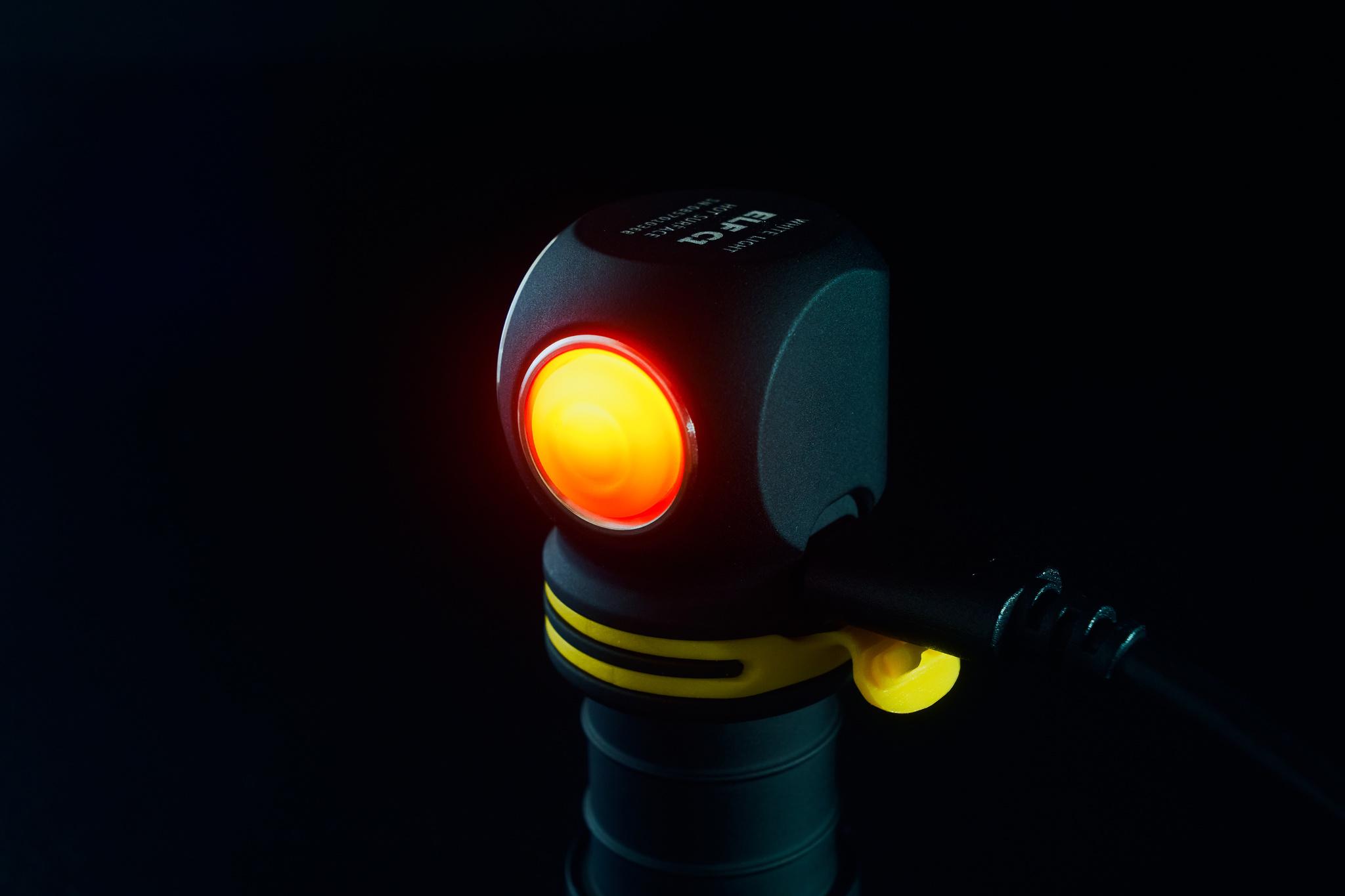 Мультифонарь Armytek Elf C1 Micro USB (теплый свет) - фото 8