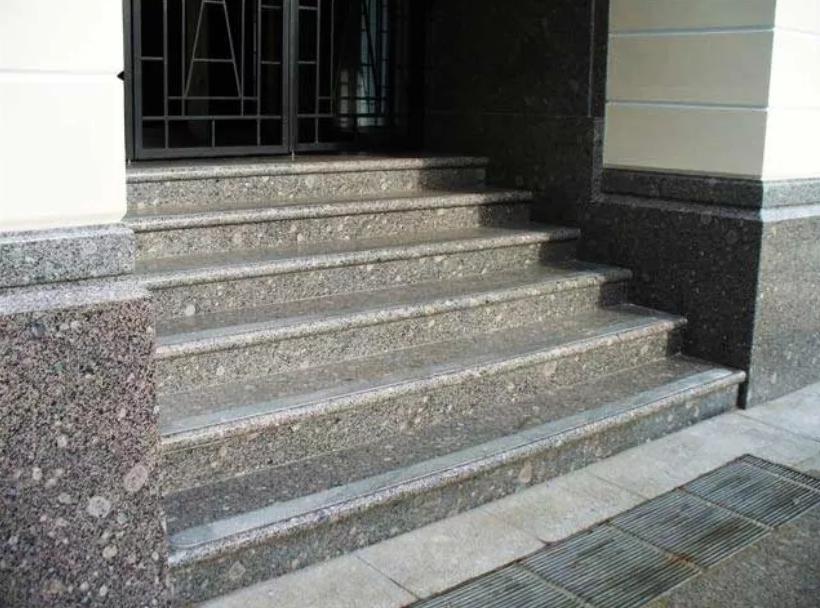 Лестница из гранита Возрождение