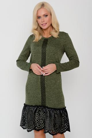 <p>Элегантное платье из трикотажного полотна в сочетании с пышной оборкой из перфарированной эко-кожи и планкой по переду из сетки-стрейч. Отличная модель для модного и комфортного выхода в свет.</p>