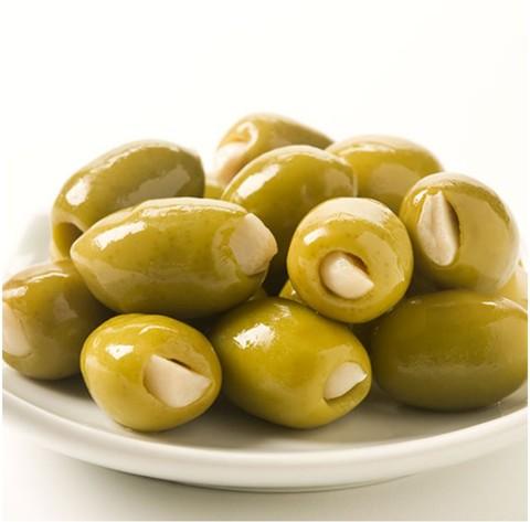 Зеленые оливки фаршированные чесноком ILIDA 1 кг.