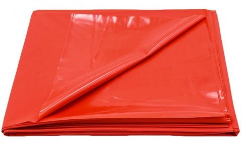 Красная виниловая простынь - 217 х 200 см.