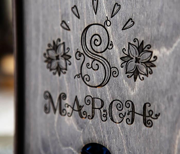 BOX224-1 Подарочная коробка черного цвета «8 MARCH» (17*17*7 см) фото 02