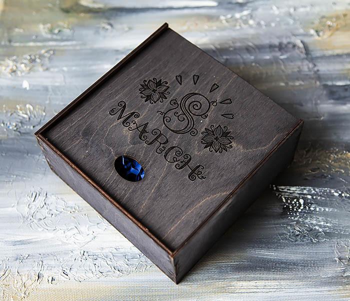 BOX224-1 Подарочная коробка черного цвета «8 MARCH» (17*17*7 см) фото 03