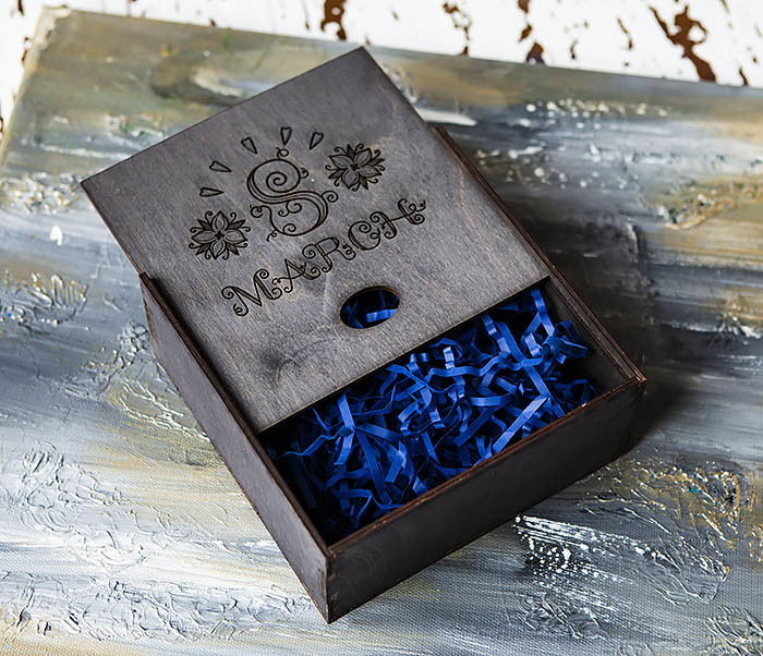 BOX224-1 Подарочная коробка черного цвета «8 MARCH» (17*17*7 см) фото 04