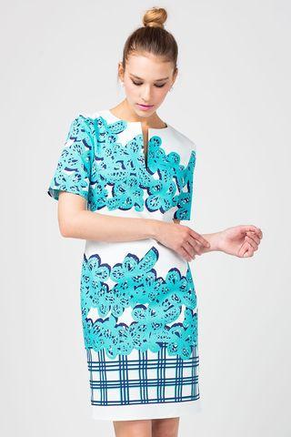 Фото приталенное белое платье из хлопка с крупным принтом - Платье З351-390 (1)