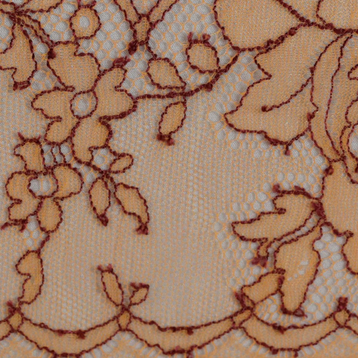 """Нежно-оранжевое французское кружево """"Шантильи"""" с бордовой кордовой нитью"""