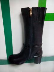 кожаные черные сапоги женские зима
