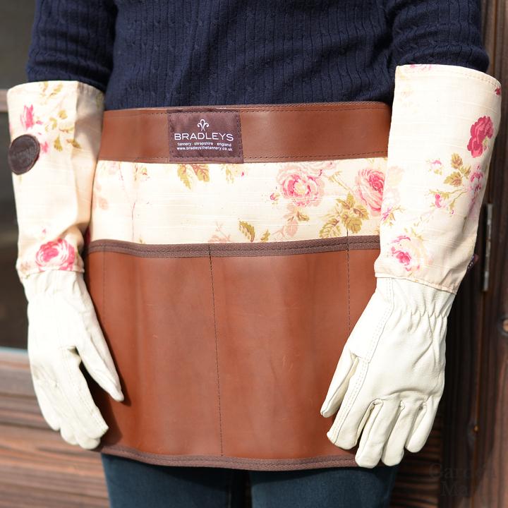 """Фартук садовый кожаный на поясе с цветочным принтом """"Ann"""" Bradleys"""