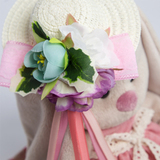 Зайка Ми в бледно-розовом платье и шляпке с цветами