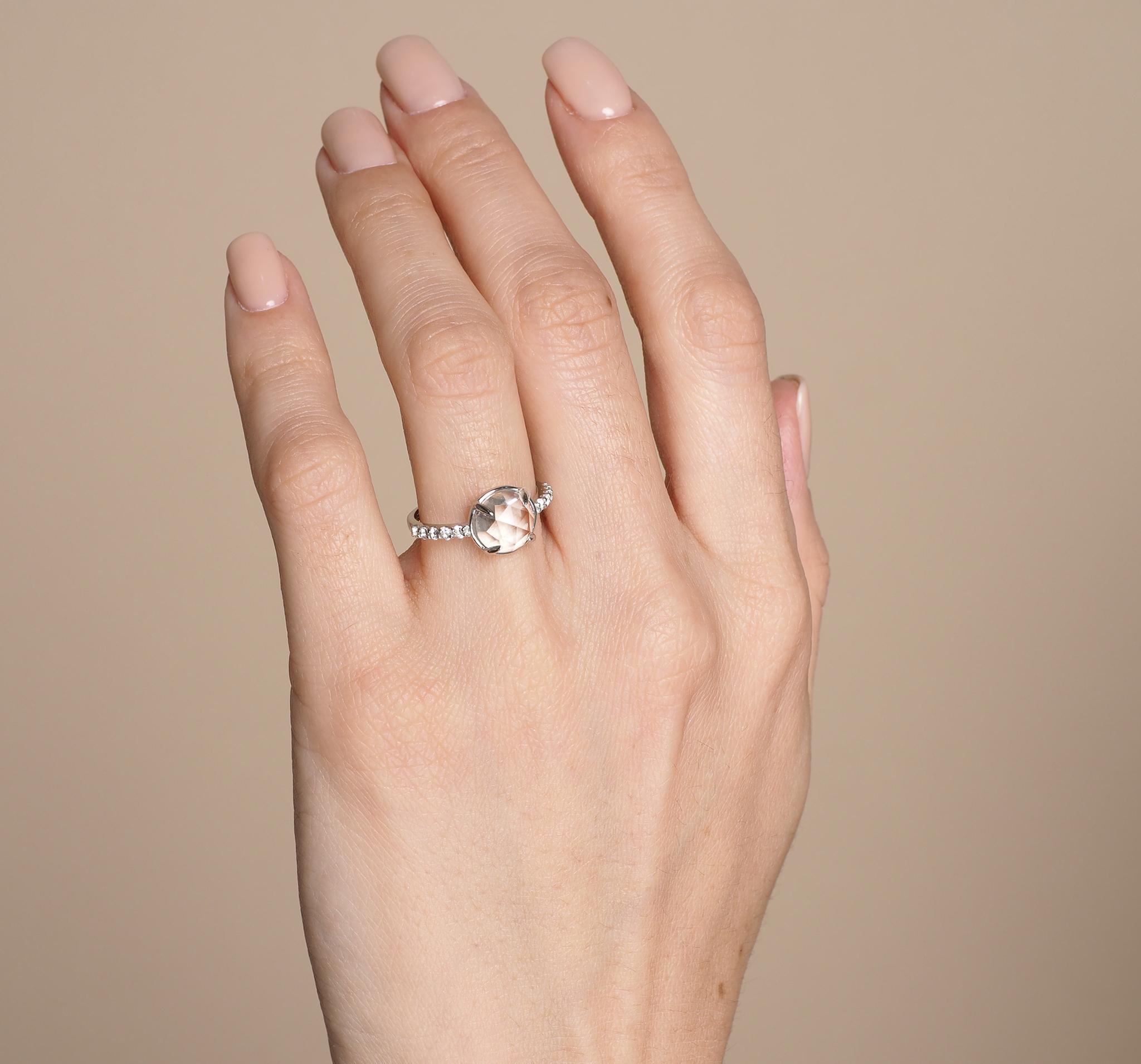 Кольцо с белыми топазами от BLAGENA