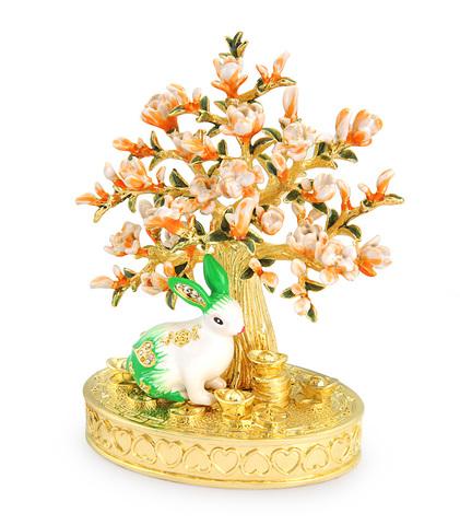 Кролик в персиковом саду