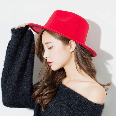 Шляпа фетровая красная - фото