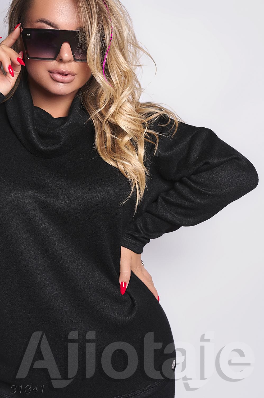 Двойка черного цвета с свитером