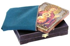 Инкрустированная икона Образ Божией Матери Знамение 20х15см на натуральном дереве в подарочной коробке