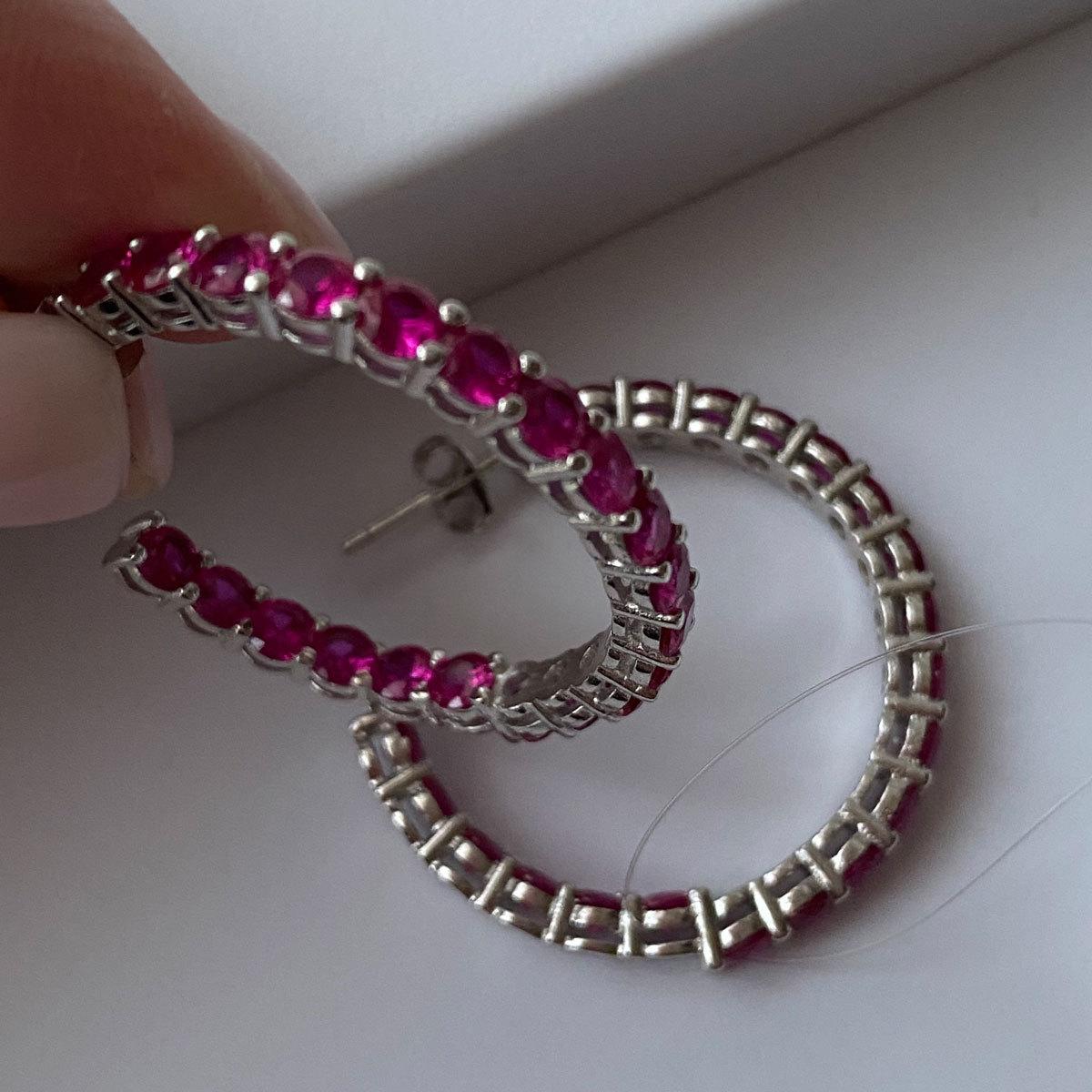 Серьги-конго с круглыми цирконами в закрепах рубиновый (серебро 925)