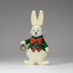 Кролик с часами