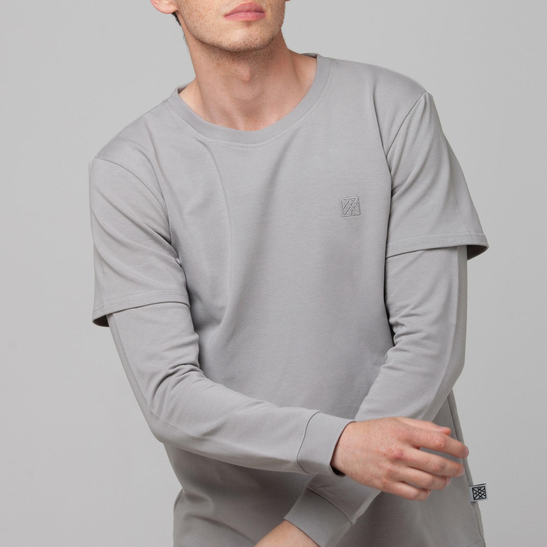 Лонгслив с двойным рукавом серый