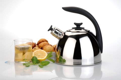 Чайник со свистком Lucia 2,5л