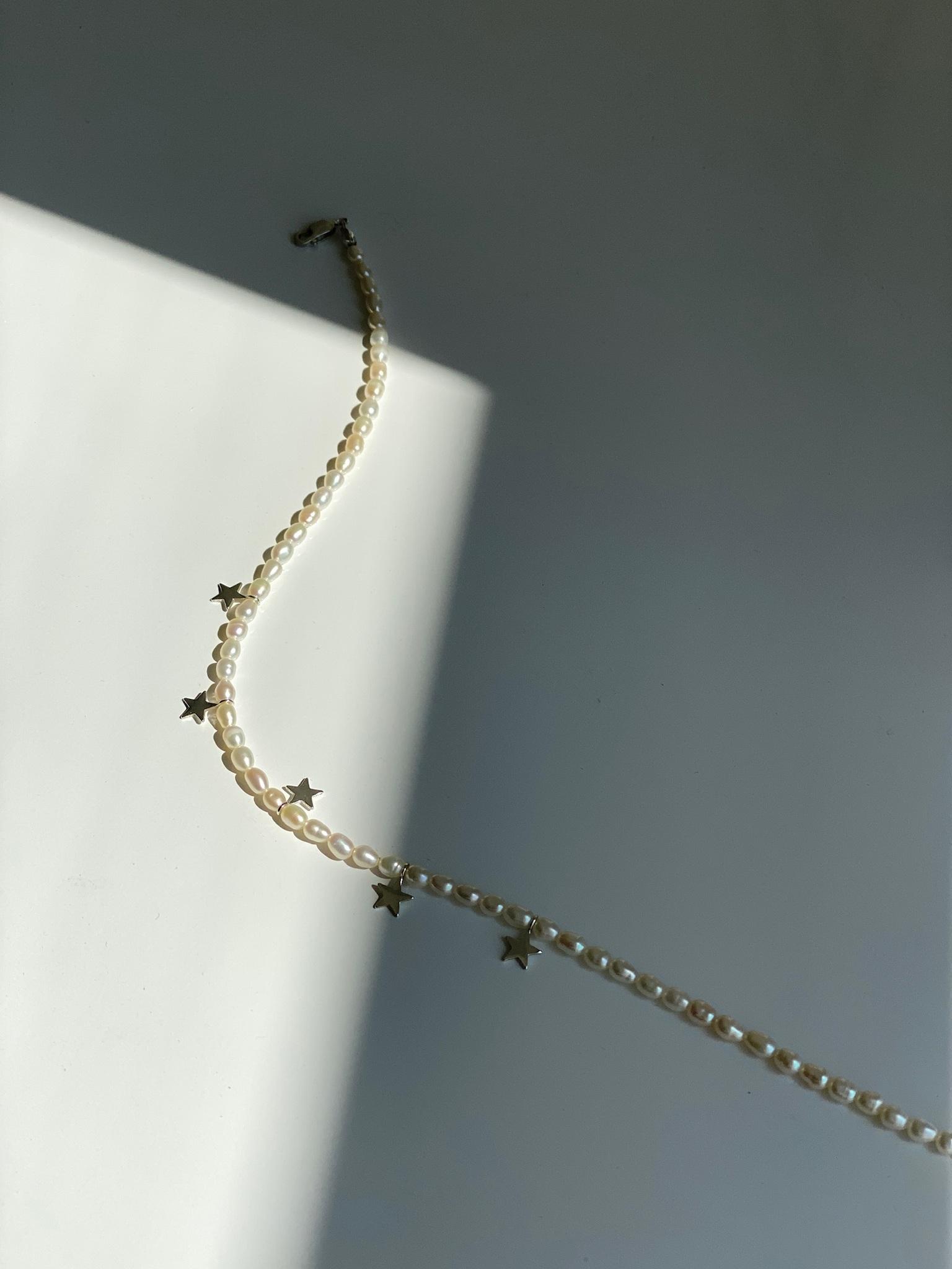 Чокер из жемчуга с подвесками из серебра
