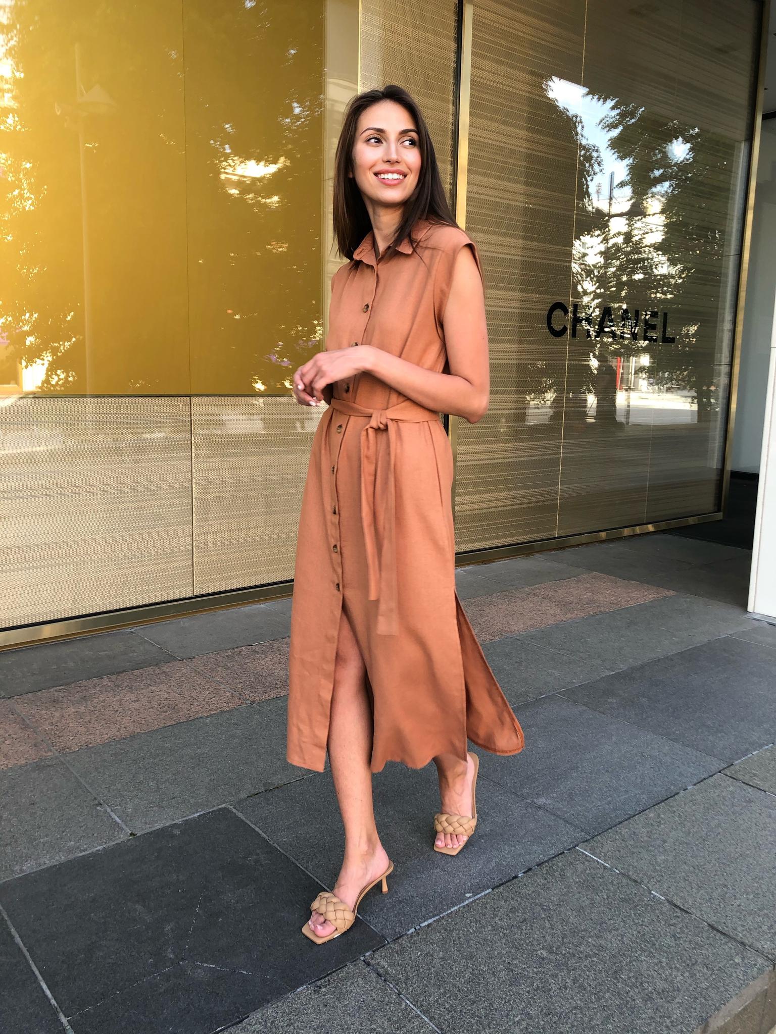 Платье-рубашка с глубокой проймой (коричневый)