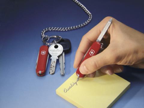 Нож-брелок Victorinox Signature с шариковой ручкой   Wenger-Victorinox.Ru