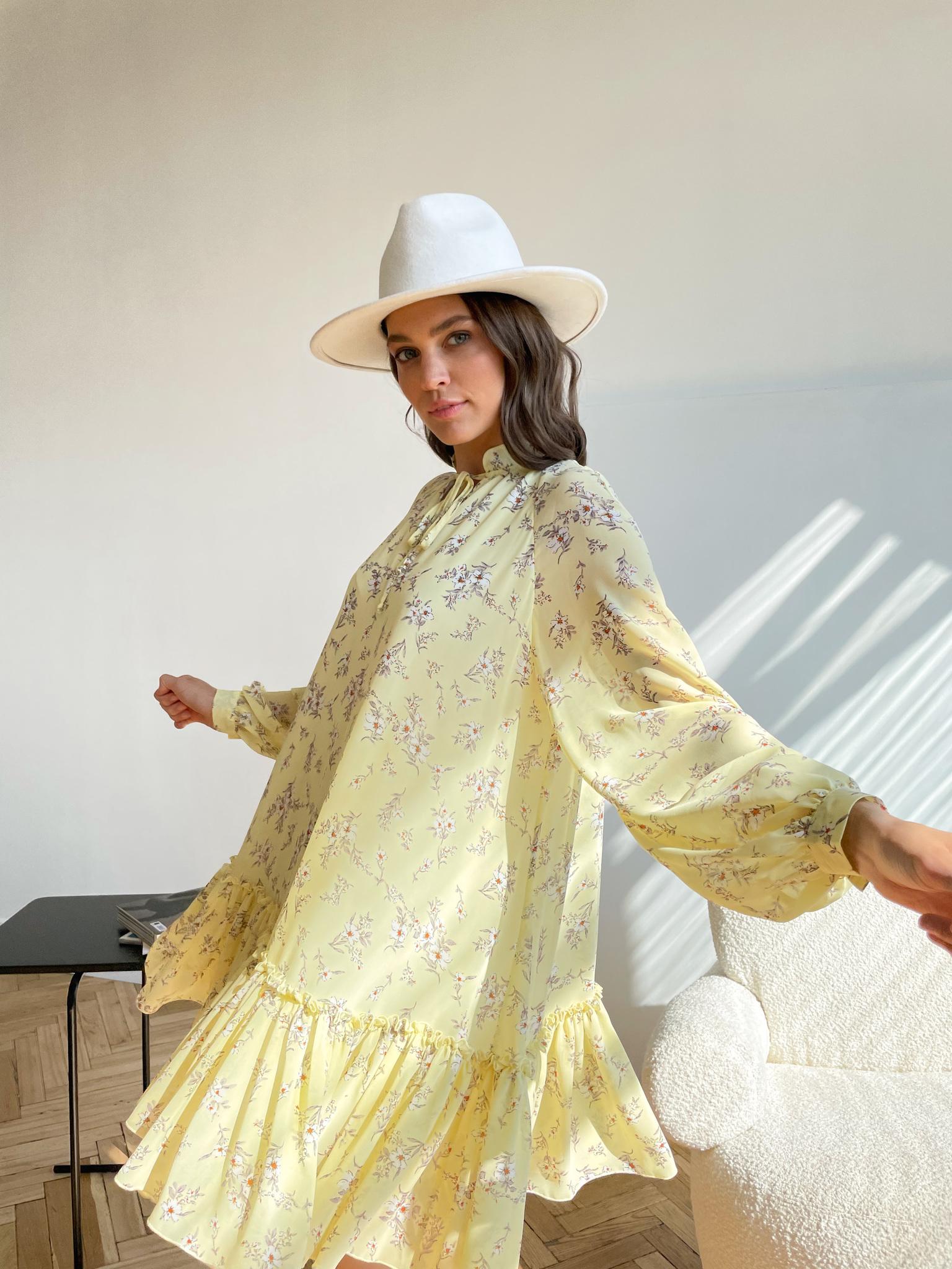 Платье мини свободного кроя (цветы на желтом)