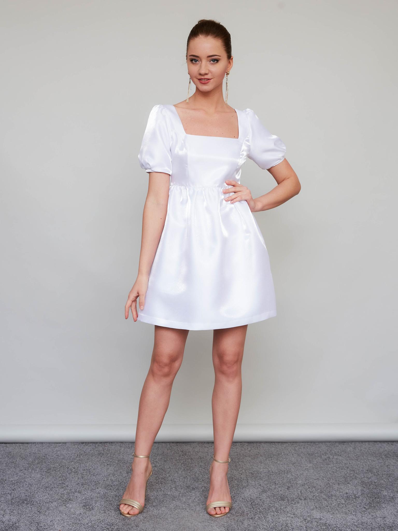 Свадебное платье с завышенной талией и объемными рукавами (белый)
