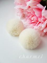 Помпон из натурального меха, Кролик, 5-6 см, цвет Сливочный, 2 штуки