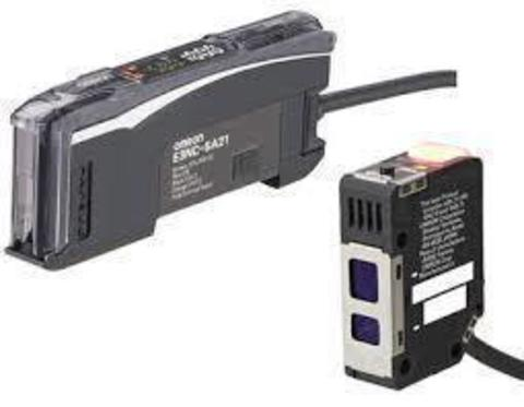 Фотоэлектрический датчик Omron E3NC-LA51 2M