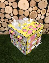 Бизикуб стандарт 30х30 см комплектации Розово-Желтый для девочки