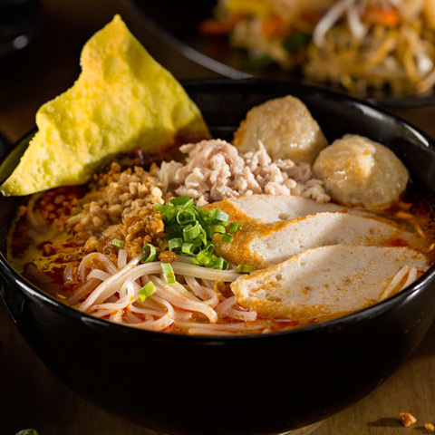 https://static-sl.insales.ru/images/products/1/6731/105798219/guay_teiw_tom_yum.jpg