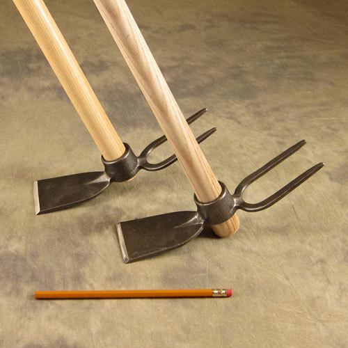 Мотыга двусторонняя DeWit с плоским концом и вилкой
