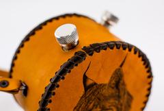 Фляга круглая, натуральная кожа с художественным выжиганием, 1000 мл, фото 3