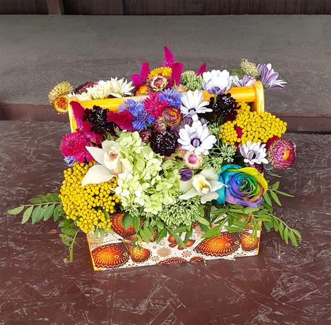 Ящик с цветами Цветной 4