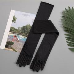 Атласные перчатки (черные) 002