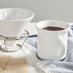 Кружка из набора Umbra Perk вмещает 280 мл. кофе