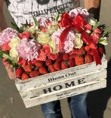 Цветочный ящик с клубникой