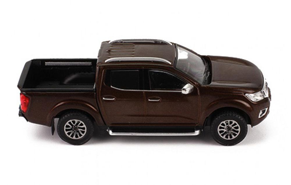 Коллекционная модель NISSAN NAVARA PICK-UP 2017 METALLIC BROWN