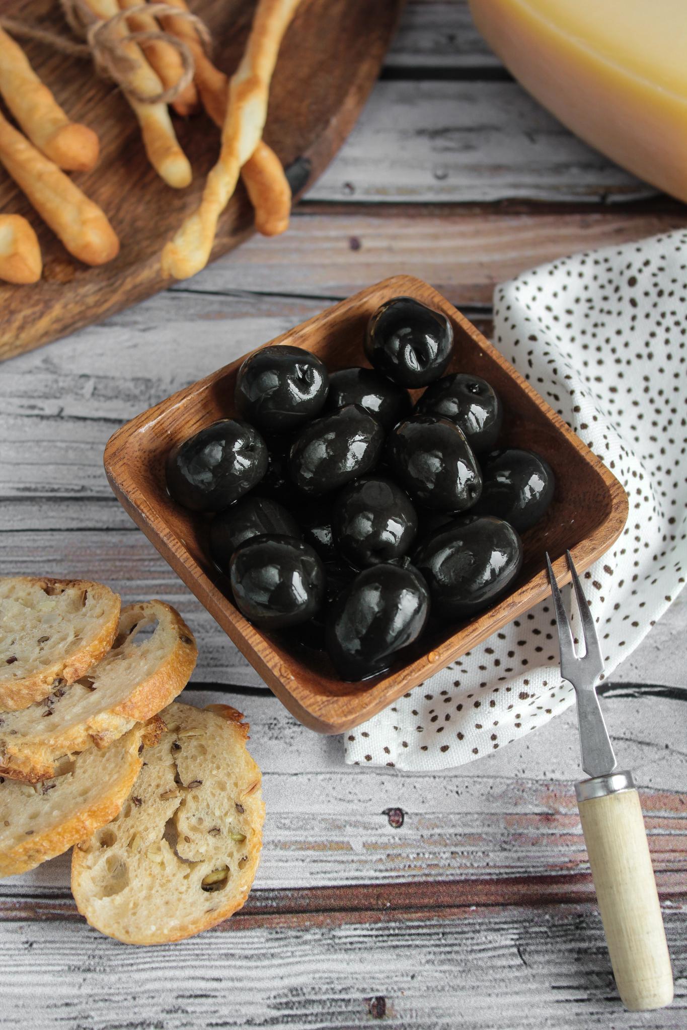 Оливки чёрные «Неграс» консервированные, 250гр