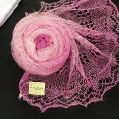 Пуховый палантин розовый 33