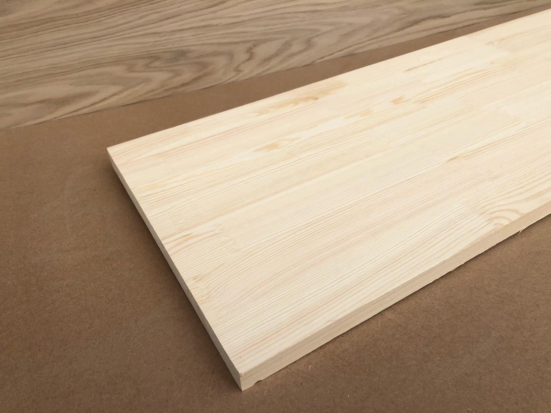 Мебельный щит из сосны (сращенный без сучков)