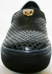 Черные слипоны женские. Кожаные слипоны черные Olli Black Beans.