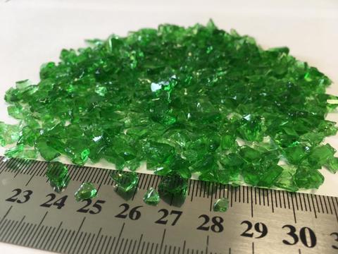 Стеклянная крошка цвет: зеленый фр. 7-15 мм 60 гр