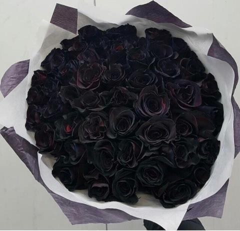 51 чёрная роза в оформлении #26893