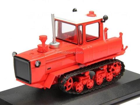 Tractor DT-175 Volgar (T-175) red 1:43 Hachette #24