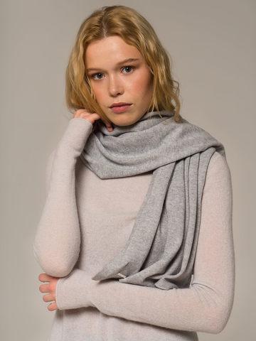 Женский шарф цвета серый меланж из 100% кашемира - фото 2
