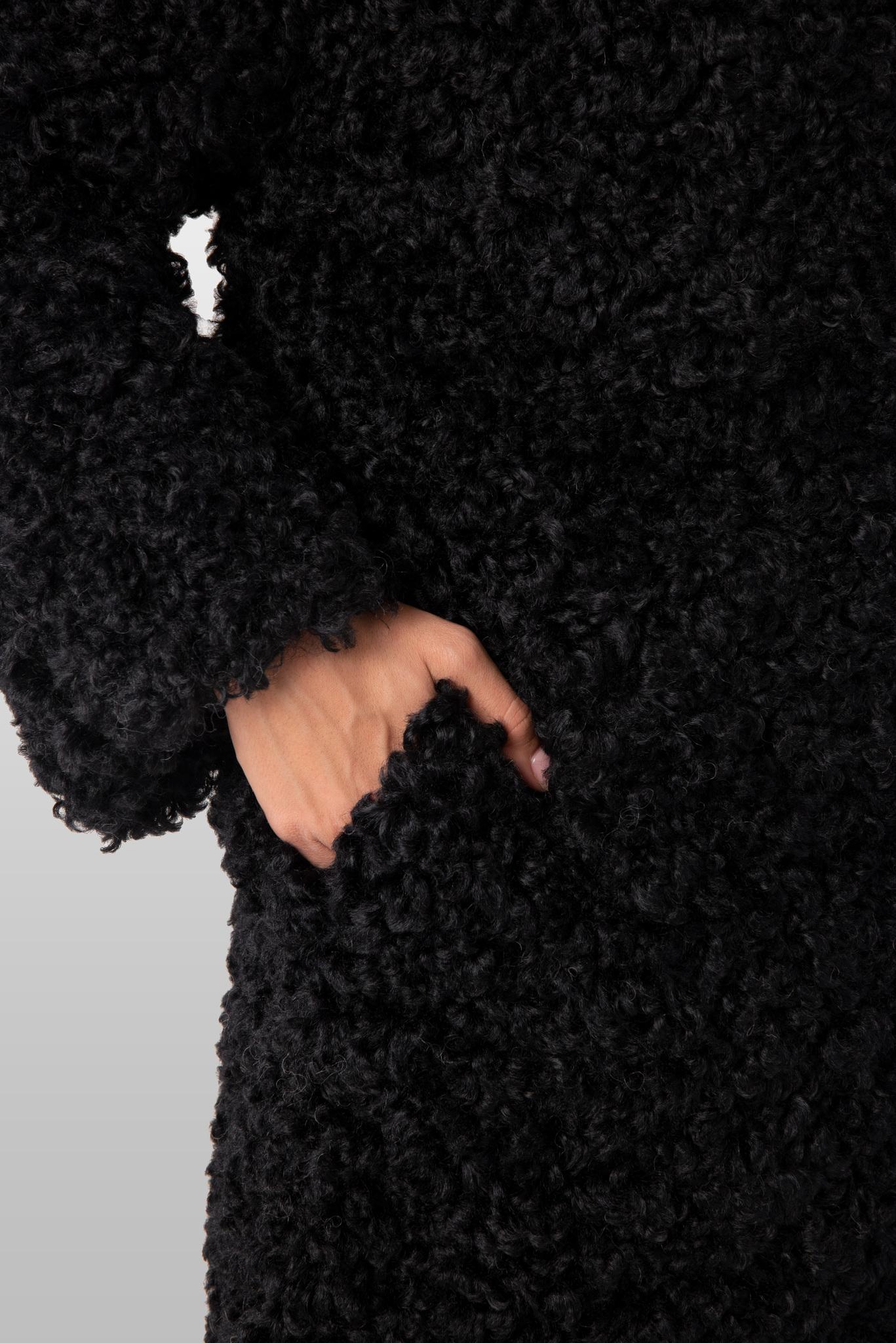 Шуба из эко-меха (искусственного меха) Тиградо с отстегивающимся капюшоном