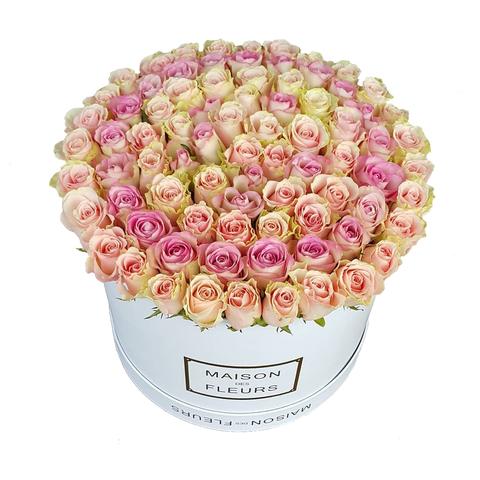 Огромная коробка роз Maison Des Fleurs 2