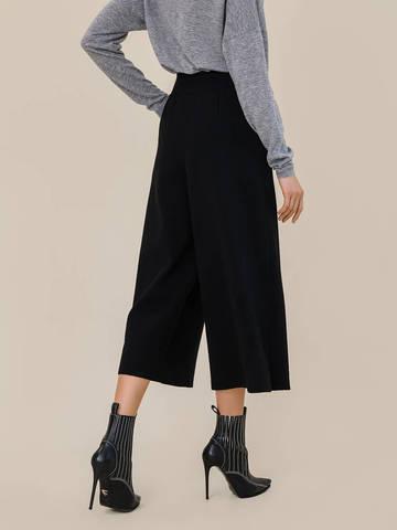 Женские свободные брюки черного цвета из шерсти - фото 3
