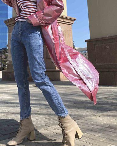 Легендарные джинсы момс в светло-синем оттенке